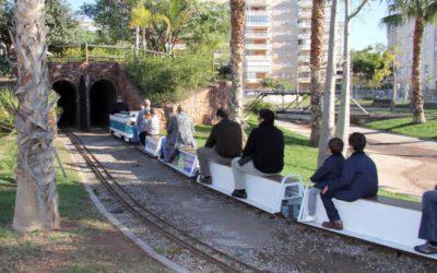 Pasea en familia con los trenes en miniatura del PARC DEL TRENET de Benicàssim